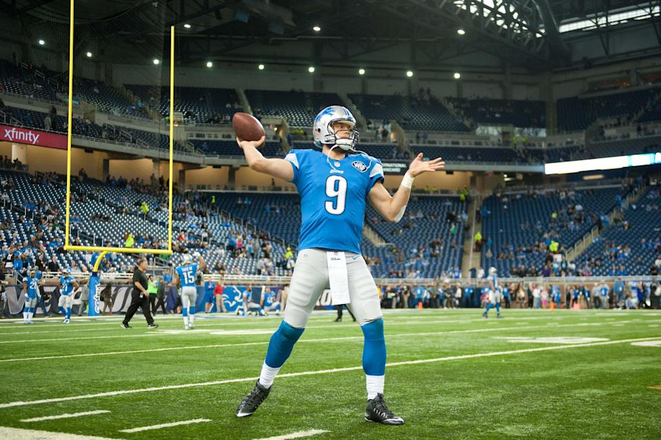 Detroit Lions quarterback Matthew Stafford warms up before the game on Thanksgiving against the Philadelphia Eagles at Ford Field, Nov. 26, 2015.