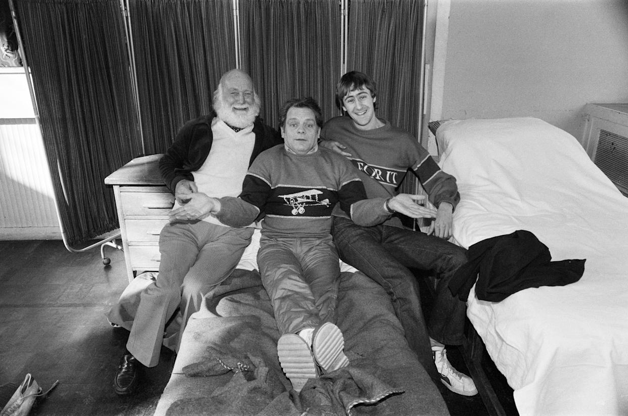 Left to right, Buster Meredith, David Jason and Nicholas Lyndhurst who all appear in the BBC TV comedy series 'Only Fools and Horses', 14th February 1985. (Photo by Carl Bruin/Daily Mirror/MirrorpixGetty Images)