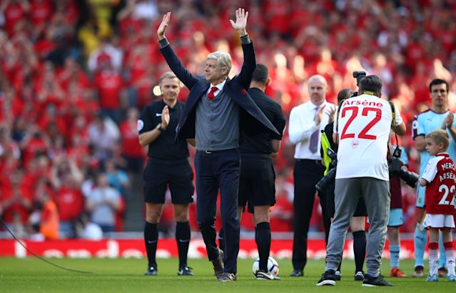 Arsene Wenger soaks up the applause from Arsenal fans before his last game at the Emirates. (Getty)