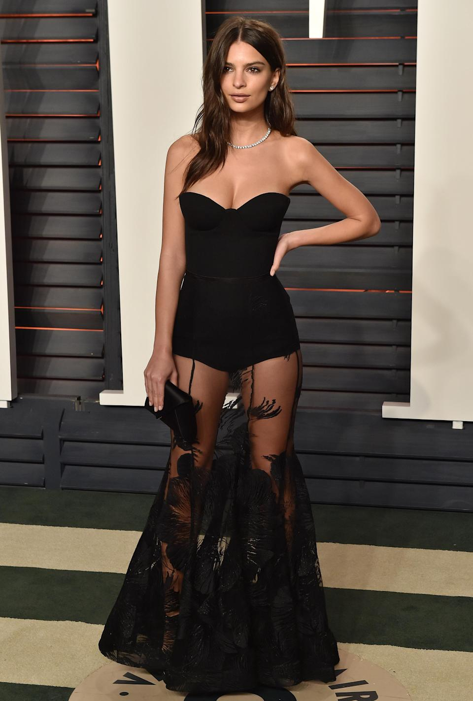 <p>To the Vanity Fair Oscars party, Emily put her enviable legs on display in a Stephen Khalil dress. Gorgeous!<br>[Photo: Getty] </p>