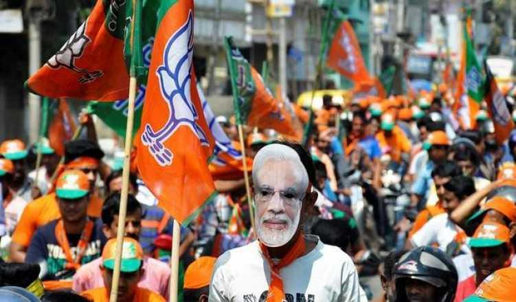National TV channels show NDA leading in more than 300 seats