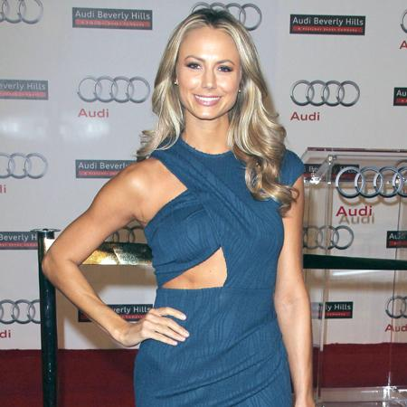 Stacy Keibler's regime to keep Clooney