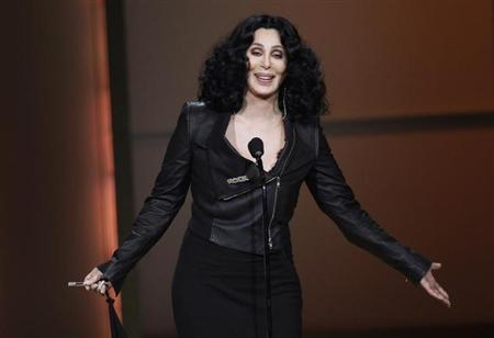 Singer Cher accepts a Woman of the Year award at the 20th annual Glamour Magazine Women of the Year award ceremony in New York November 8, 2010. REUTERS/Lucas Jackson/Files