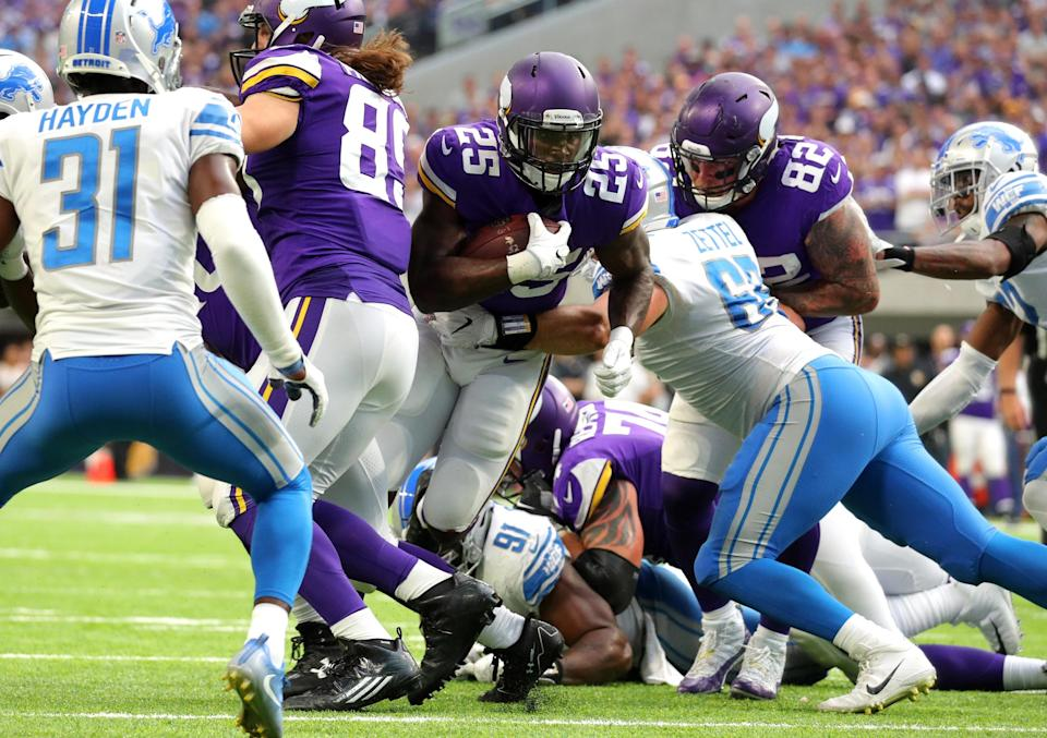 Latavius Murray is back in our fantasy lives. He figures to take over the early-down rushing role in Minnesota, following Dalvin Cook's injury. (Photo by Adam Bettcher/Getty Images)