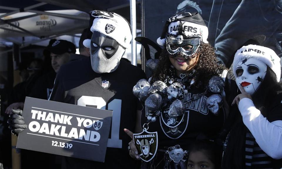 Oakland Raiders fans bid farewell to their home before the team's move to Las Vegas