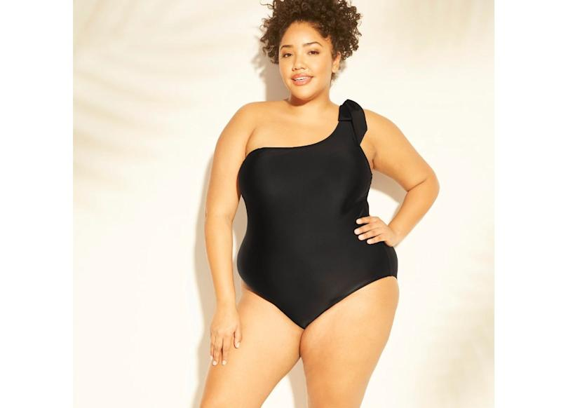 """Available in sizes 14 to 26. <strong><a href=""""https://fave.co/2uKHph6"""" target=""""_blank"""" rel=""""noopener noreferrer"""">Get it at Target</a></strong>."""