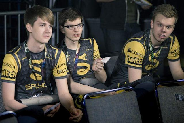 Splyce's bottom and top lane: Kobbe, Mikyx, and Wunder (lolesports)