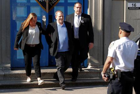 Film producer Harvey Weinstein leaves the 1st Precinct in Manhattan in New York, U.S., May 25, 2018. REUTERS/Mike Segar