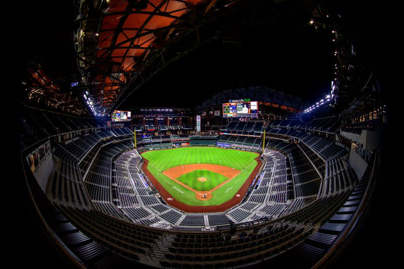 Limited number of attendees to be allowed at NLCS, World Series games