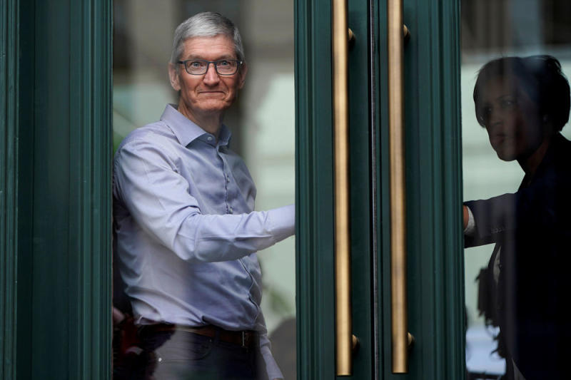 Why Apple's Stock Drop Has the Dow Spooked
