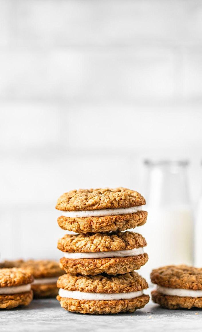 """<p>These soft, cinnamon oatmeal cookies are filled with a smooth vanilla bean cream that's sure to remind you of your childhood.</p><p><strong>Get the recipe at <a href=""""https://mikebakesnyc.com/homemade-oatmeal-creme-pies/"""" rel=""""nofollow noopener"""" target=""""_blank"""" data-ylk=""""slk:Mike Bakes NYC"""" class=""""link rapid-noclick-resp"""">Mike Bakes NYC</a>.</strong></p>"""