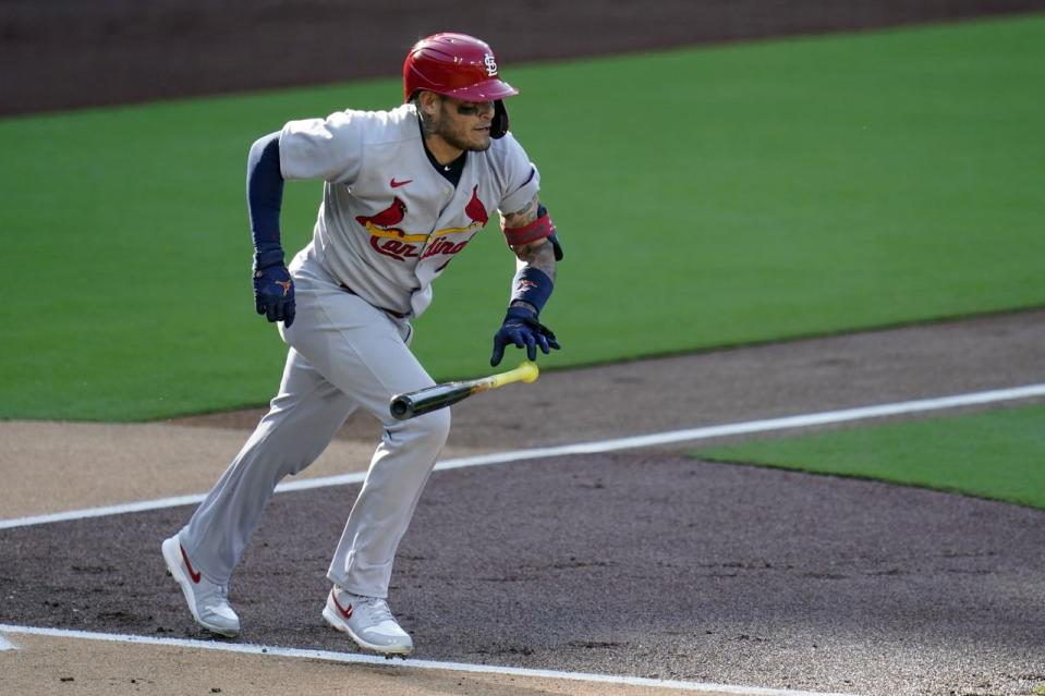 MLB rumors: Cardinals want to re-sign potential Yankees target Yadier Molina, so what's holding up a deal?
