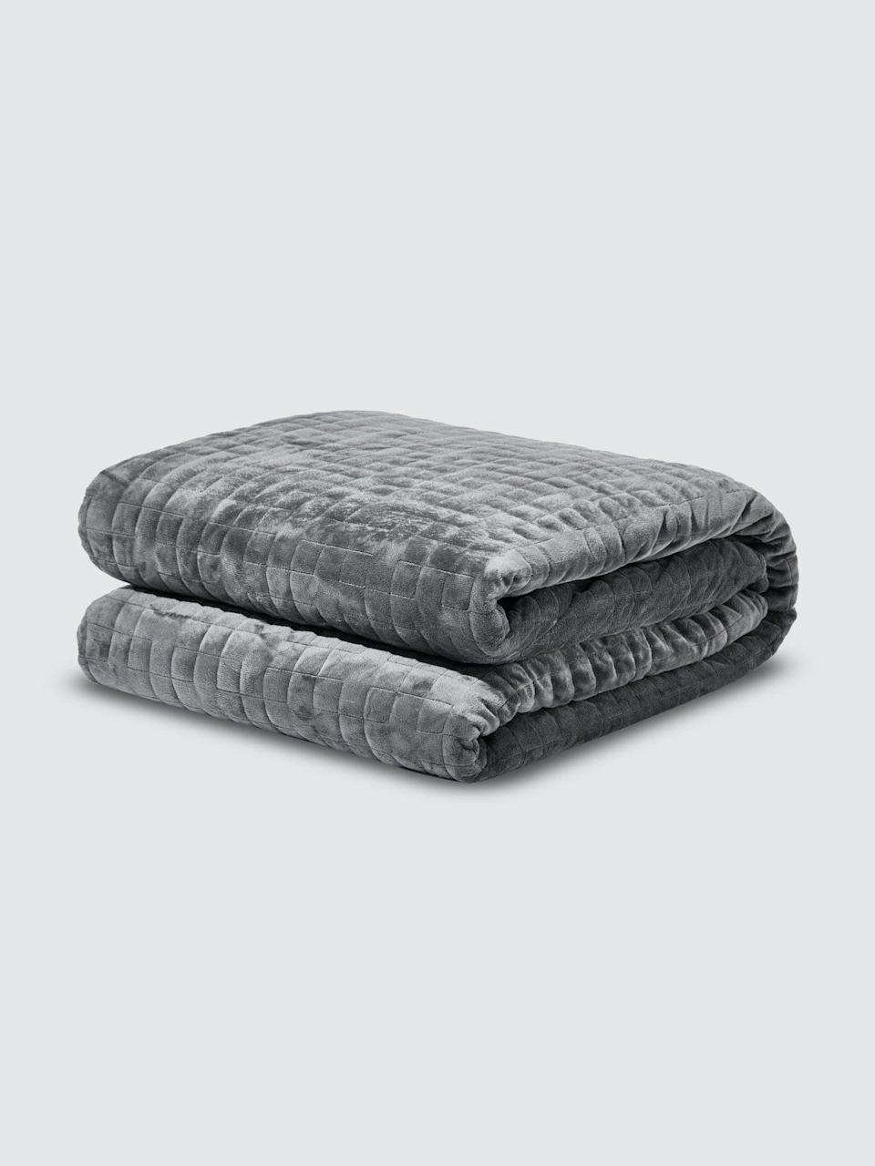 """<h2>Gravity Blankets</h2><br>These paradoxical bedding staples will put you under pressure in all the right ways. Weighted sleep masks, cozy comforters, cooling blankets, crisp sheets, and more are up to 20% off. <br><br><em>Shop</em> <a href=""""https://www.verishop.com/brand/gravity"""" rel=""""nofollow noopener"""" target=""""_blank"""" data-ylk=""""slk:Gravity Blankets"""" class=""""link rapid-noclick-resp""""><strong><em>Gravity Blankets</em></strong></a><br><br><strong>Gravity</strong> Zip Blanket, $, available at <a href=""""https://go.skimresources.com/?id=30283X879131&url=https%3A%2F%2Fshop-links.co%2F1735359947246960532"""" rel=""""nofollow noopener"""" target=""""_blank"""" data-ylk=""""slk:Verishop"""" class=""""link rapid-noclick-resp"""">Verishop</a>"""