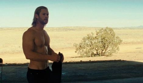 Chris Hemsworth without his top on in 'Thor'