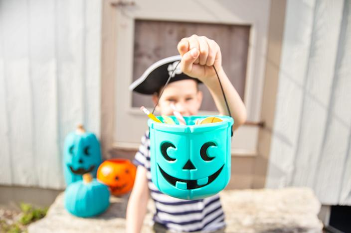 teal pumpkin halloween food allergies