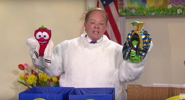 Melissa McCarthy returns as Sean Spicer on SNL, dresses as Easter bunny to apologise for Hitler comments