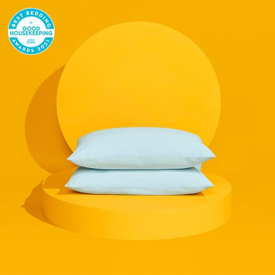 """<p><strong>SlumberCloud</strong></p><p>slumbercloud.com</p><p><strong>$58.65</strong></p><p><a href=""""https://go.redirectingat.com?id=74968X1596630&url=https%3A%2F%2Fwww.slumbercloud.com%2Fproducts%2Fultracool-pillow&sref=https%3A%2F%2Fwww.goodhousekeeping.com%2Fhome-products%2Fpillow-reviews%2Fg36533712%2Fdown-alternative-pillows%2F"""" rel=""""nofollow noopener"""" target=""""_blank"""" data-ylk=""""slk:Shop Now"""" class=""""link rapid-noclick-resp"""">Shop Now</a></p><p>While memory foam holds onto heat, polyester is known to help wick away moisture, keeping you cooler. This <a href=""""https://www.goodhousekeeping.com/home-products/pillow-reviews/a25576293/best-cooling-pillow/"""" rel=""""nofollow noopener"""" target=""""_blank"""" data-ylk=""""slk:cooling pillow"""" class=""""link rapid-noclick-resp"""">cooling pillow</a> from SlumberCloud has <strong>an Outlast infused cover, which stores and releases heat to maintain a stable body temperature. </strong>This pillow stood up perfectly to Lab tests as it kept its shape without snagging and fit nicely in a Standard size pillowcase. </p>"""