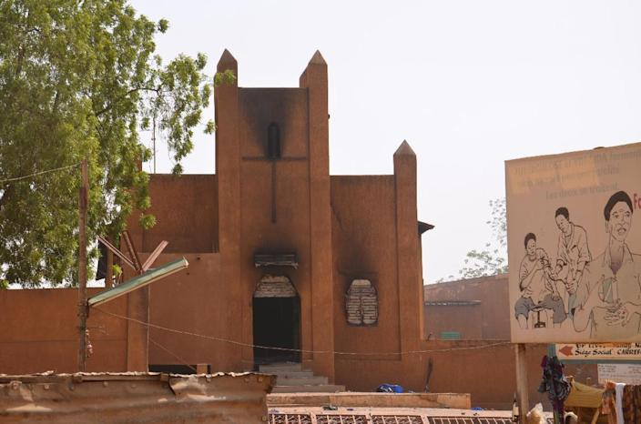 A church that was set on fire by protesters during a demonstration against French weekly Charlie Hebdo's publication of a cartoon of the Prophet Mohammed is seen in Niamey on January 17, 2015 (AFP Photo/Boureima Hama)