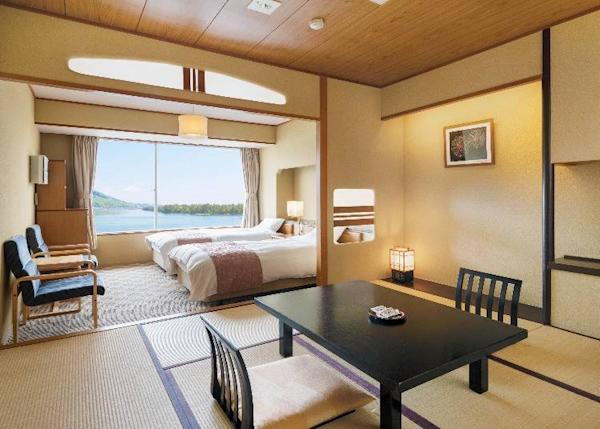 Standard Japanese and Western-style Room