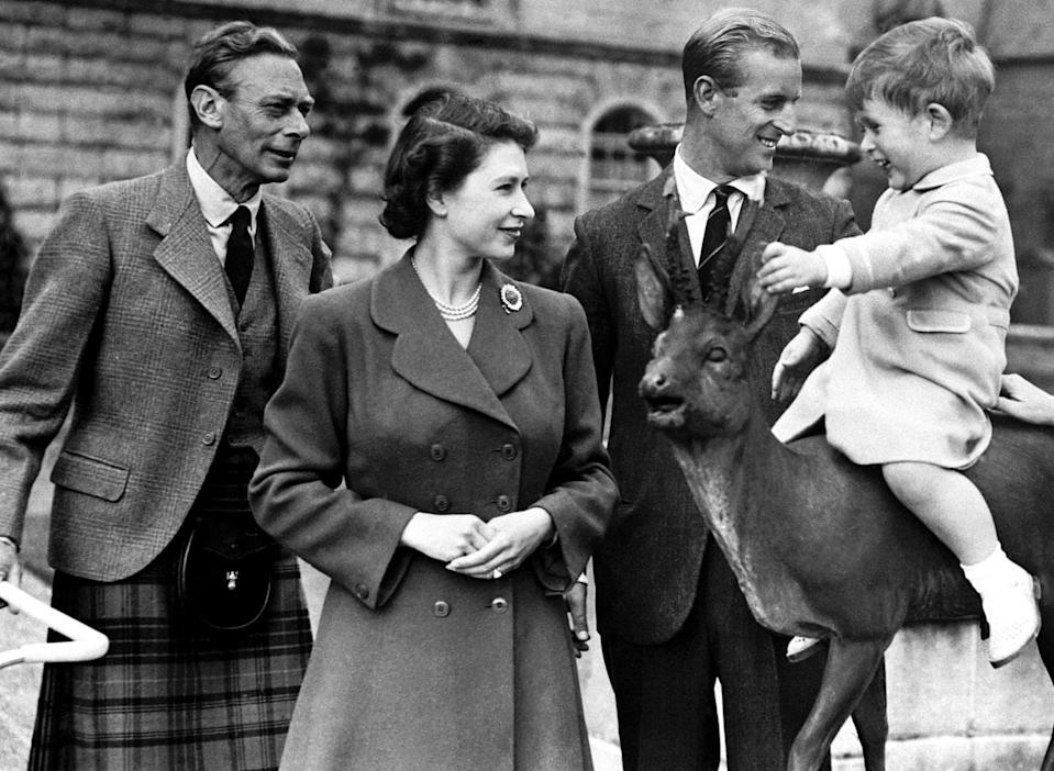 The Royal Family shared a photo from 1951 to mark Father's Day. (Royal FamilyTwitter)