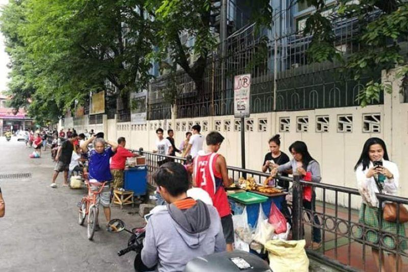 Labella allows sidewalk vendors during weekends