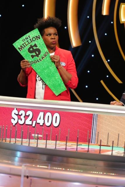 "Leslie Jones competes for $1 million on ""Celebrity Wheel of Fortune."" (Photo: ABC/Christopher Willard)"