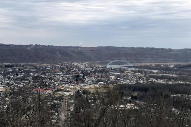 Communities along the Ohio River hope that the Appalachian Storage Hub will bring thousands of jobs, but critics say its potential benefits have been greatly exaggerated. (Photo: Alexander Nazaryan/Yahoo News)