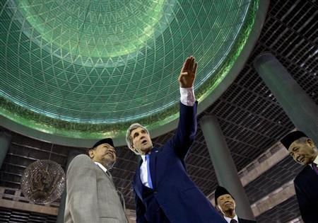 U.S. Secretary of State Kerry tours the Istiqlal Mosque with Grand Imam Yaqub in Jakarta