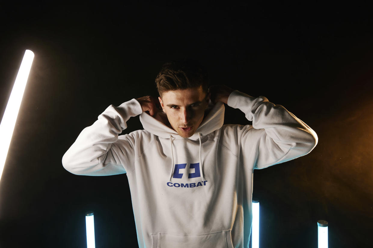 Mason Mount, a brand ambassador for Combat Gaming, has snubbed best mate Declan Rice in his FIFA Ultimate Team