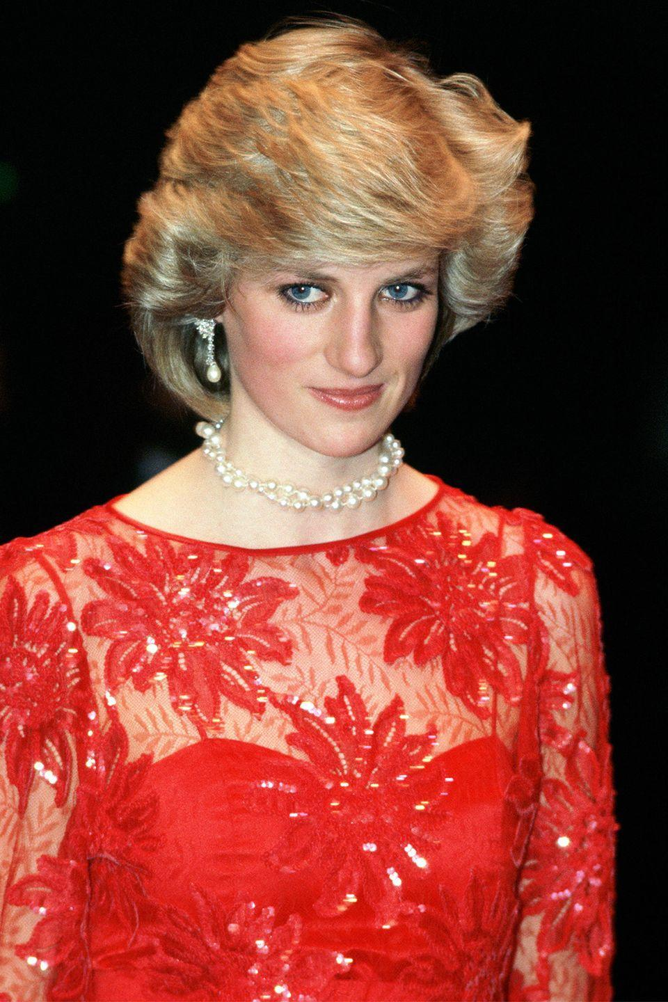 <p>Back to her shorter cut while attending the ballet on a visit to Oslo, Norway.</p>