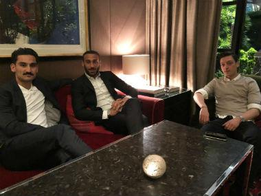 Mesut Ozil and Ilkay Gundogan meet Germany president following Recep Tayyip Erdogan controversy