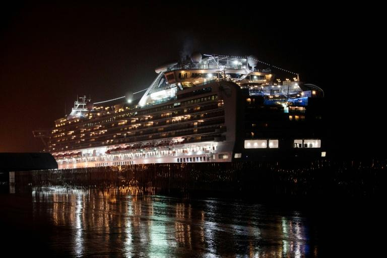 USA  evacuates coronavirus cruise ship passengers