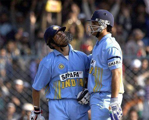 The colour of the jersey was quite similar and yellow stripes were present on either side of the team sponsor (Image credits: Cricbuzz)