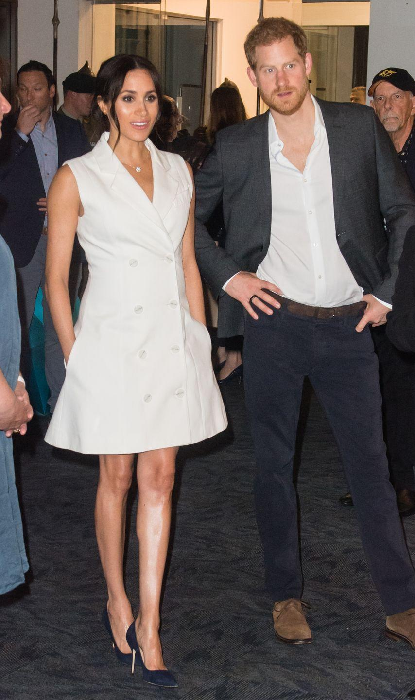 <p>And it looks like Meg has no regrets about her choice, 'cause she also rocked bare legs while attending a performance of <em>Hamilton</em> with Prince Harry in August 2018.</p>