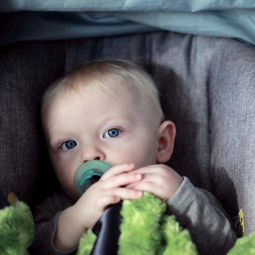 """To Everyone Against Rear-Facing Car Seats Past Age 2, I Don't Want to Hear Your """"Broken Legs"""" Argument"""