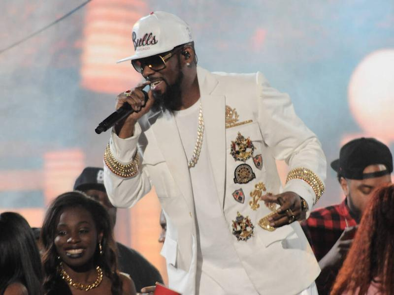 R. Kelly's alleged attacker identifies himself
