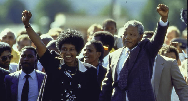 Nelson Mandela and wife Winnie upon his release from prison (Photo: Allan Tannenbaum/The LIFE Images Collection/Getty Images)