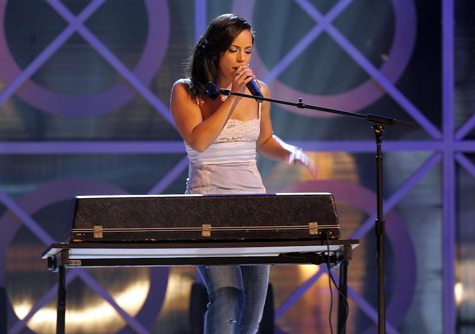 <p>File image: Alicia Keys performs onstage during the 2004 Billboard Music Awards</p> (Getty Images)