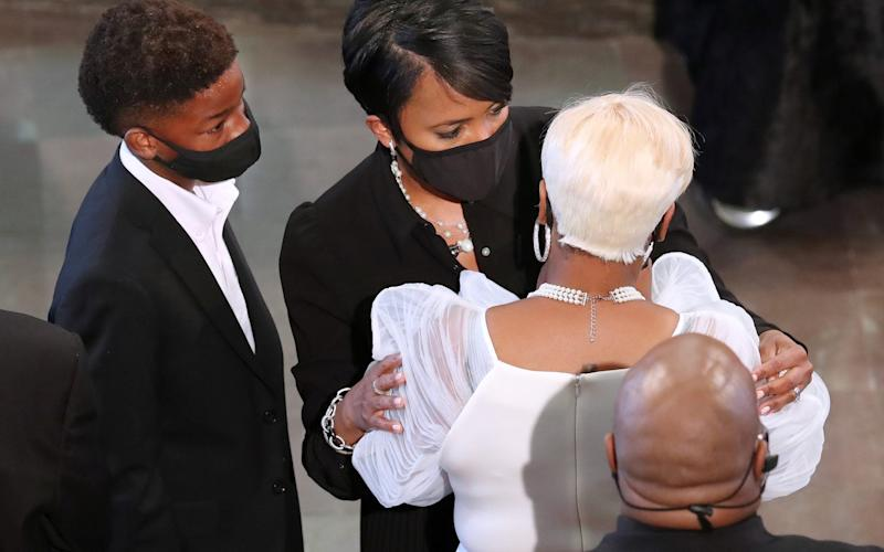 Keisha Lance Bottoms consoles Tomika Miller, widow of Rayshard Brooks who was shot dead - Reuters
