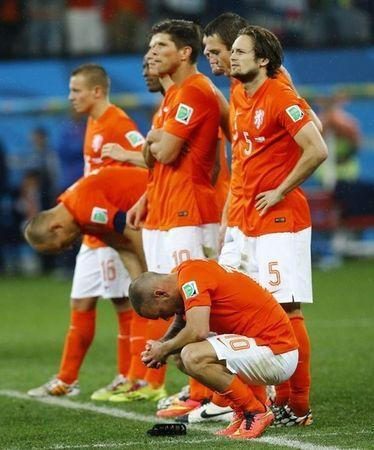 Netherland's players react during a penalty shootout in their 2014 World Cup semi-finals against Argentina at the Corinthians arena in Sao Paulo July 9, 2014. REUTERS/Darren Staples