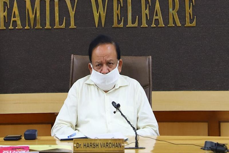 Harsh Vardhan Refuses to Give Deadline for Covid-19 Vaccine, But Assures No Community Transmission in India Yet