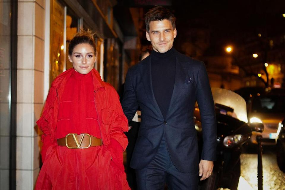 Olivia Palermo and Johannes Huebl, outside Valentino, during Paris Fashion Week – Haute Couture Spring Summer 2020, on January 23, 2019 in Paris, France. (Photo by Edward Berthelot/Getty Images)