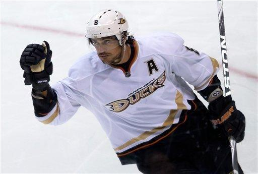 Anaheim Ducks' Teemu Selanne, of Finland, celebrates after scoring his second goal against the Vancouver Canucks during the third period of an NHL hockey game in Vancouver, British Columbia, on Saturday, Jan. 19, 2013. (AP Photo/The Canadian Press, Darryl Dyck)