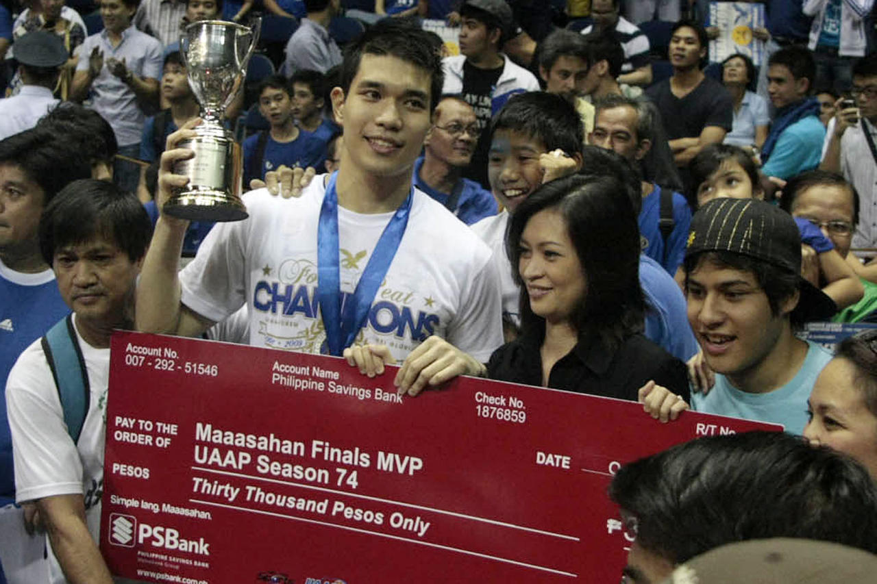 Nico Salva of Ateneo Blue Eagles won as Most Valuable Player of the UAAP Season 74 men's basketball tournament finals at Smart Araneta Coliseum, Quezon City. (NPPA Images)