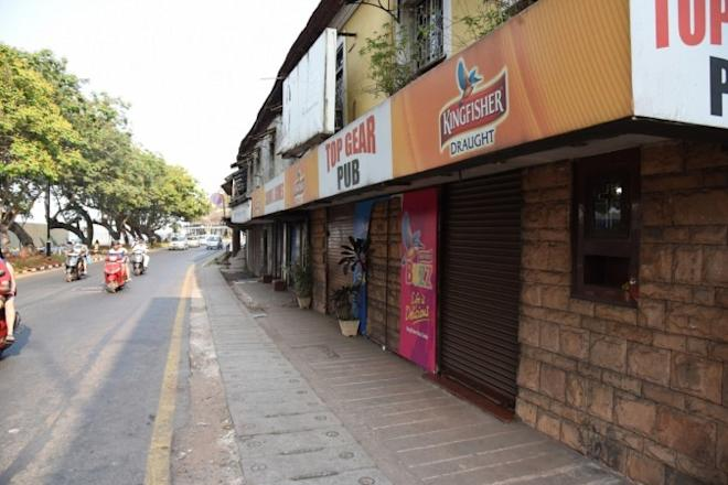 liquor ban on highways, liquor shops, bars and pubs, sc order on liquor, liquor shops on highways, bars protest against liquor ban