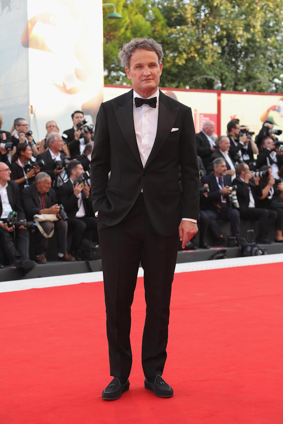 <p>The 'Dawn of the Planet of the Apes' star scrubbed up in a tux. <em>[Photo: Getty]</em> </p>