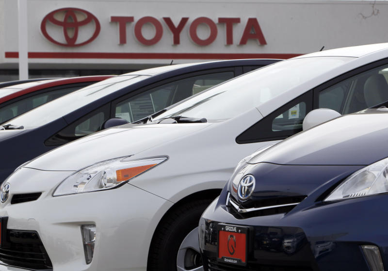 Stronger Toyota helps boost US auto sales in April