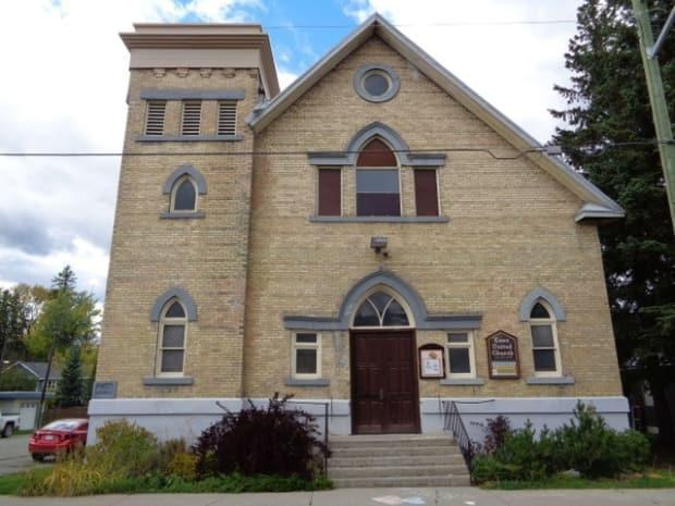 Built in 1909, the Knox United Church board has voted unanimously to sell the building, due to dwindling resources and a shrinking congregation. (Lynda Bird (Submitted) - image credit)