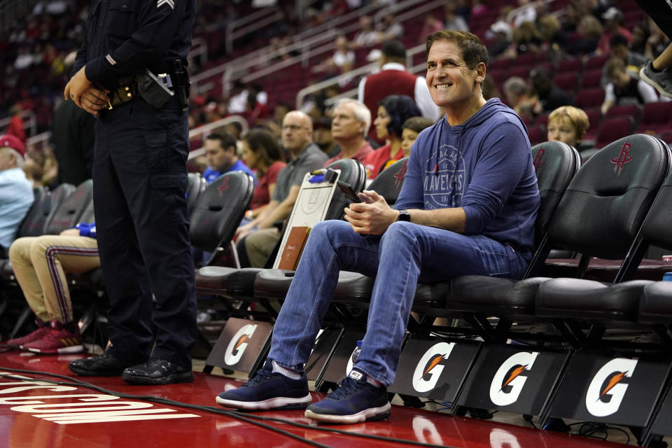 If his players take a knee, or protest some other way, during the national anthem, Dallas owner Mark Cuban wants to join them.