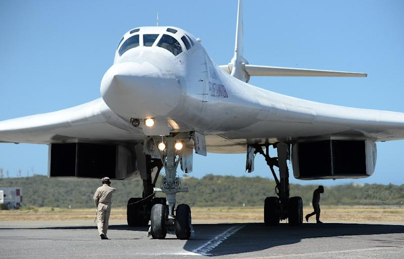Russian supersonic bombers fly to Venezuela